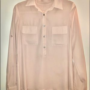 Renvy blush blouse w/ mother of pearl buttons M